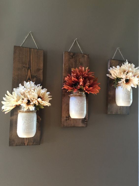 Inspirational DIY Rustic Home Decor Ideas -  - diy - small pallets wall -