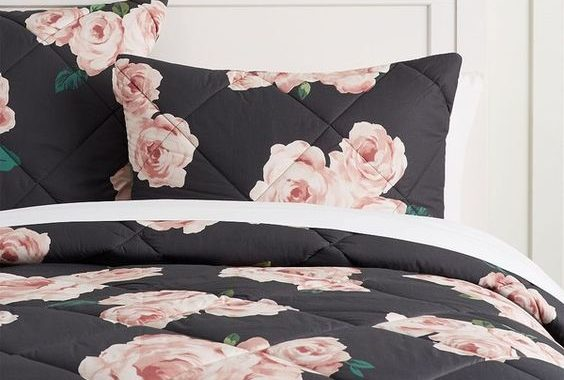 10 Stylish Quilts And Comforters For Your Bedroom