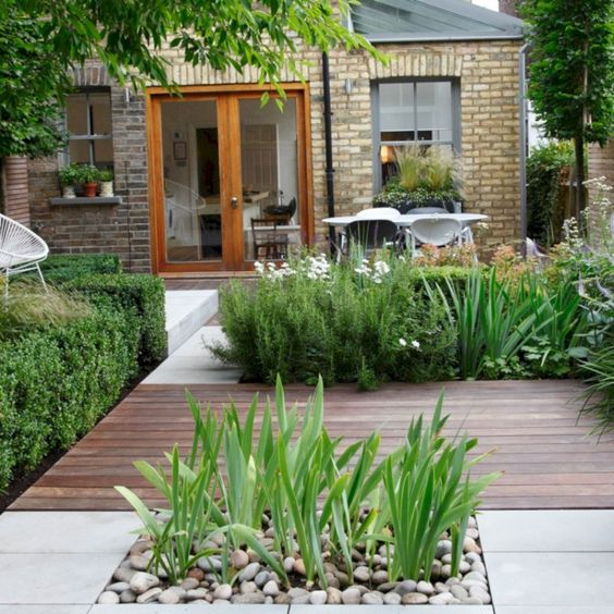 19 Photos Of Simple But Stunning Backyard Designs from garden category