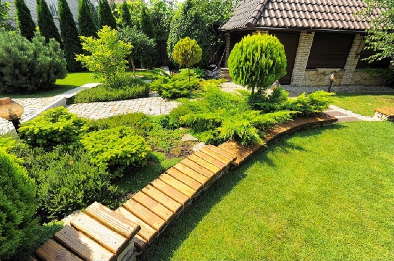 10 Landscaping Ideas to Improve the Appearance of Your Front Yard