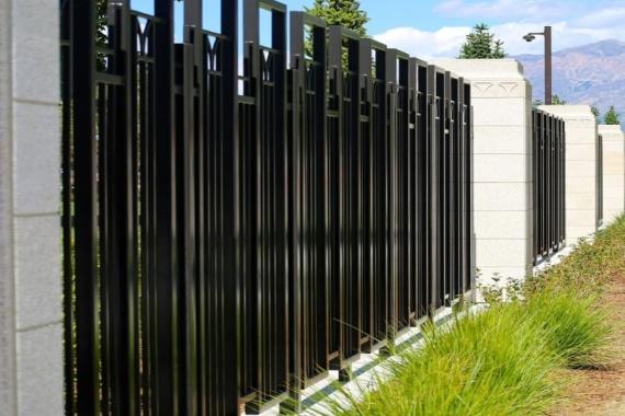 How To Choose Metal Garden Fencing For Your Beautiful Garden