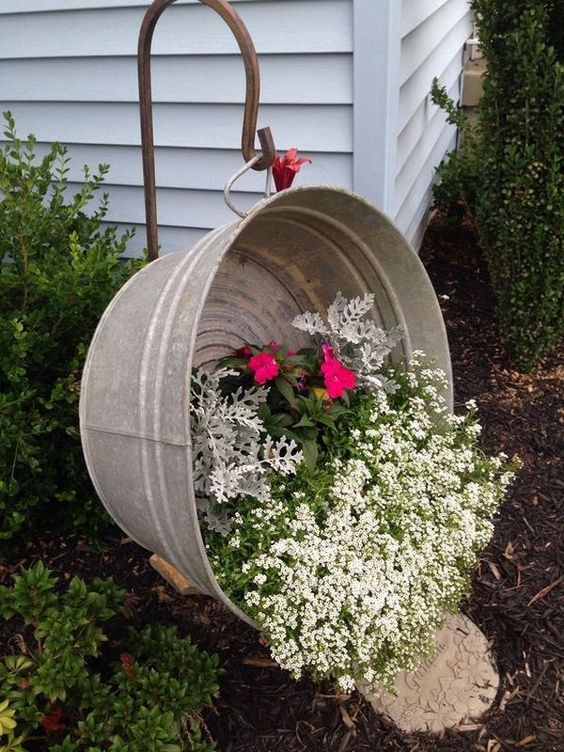 31 Simple Landscaping Ideas How To Decor Your Front Yard -  - garden - Simple Landscaping Idea For Decorating Front Yard front of the house small front yard plants makeover modern porch 15 -