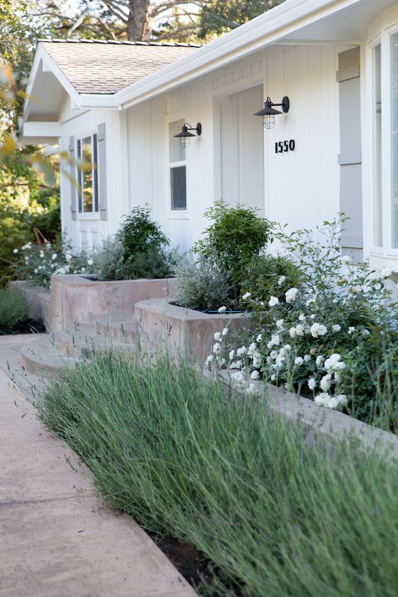 31 Simple Landscaping Ideas How To Decor Your Front Yard -  - garden - Simple Landscaping Idea For Decorating Front Yard front of the house small front yard plants makeover modern porch 26 -