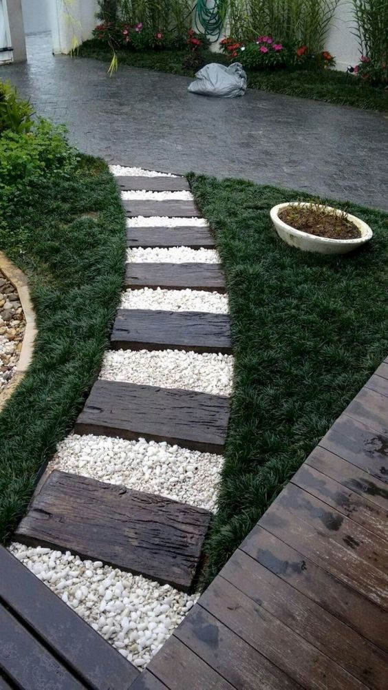 31 Simple Landscaping Ideas How To Decor Your Front Yard -  - garden - Simple Landscaping Idea For Decorating Front Yard front of the house small front yard plants makeover modern porch 4 -