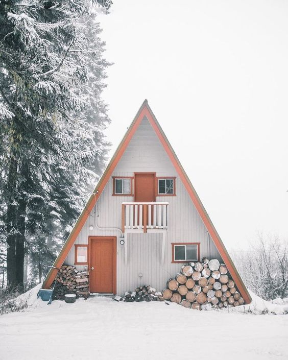 25+ Dreamy & Cozy Cabins You Will Want To Visit This Year -  - architecture - cozy rustic dreamy cabins cottages forest mountains small ideas 15 -