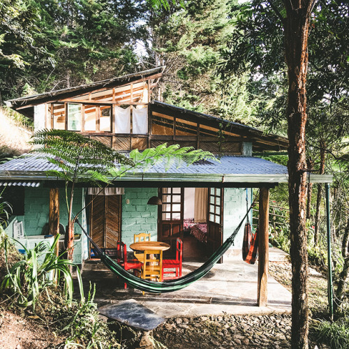 25+ Dreamy & Cozy Cabins You Will Want To Visit This Year -  - architecture - cozy rustic dreamy cabins cottages forest mountains small ideas 18 -