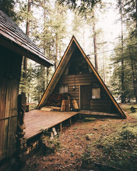 25+ Dreamy & Cozy Cabins You Will Want To Visit This Year -  - architecture - cozy rustic dreamy cabins cottages forest mountains small ideas 24 -