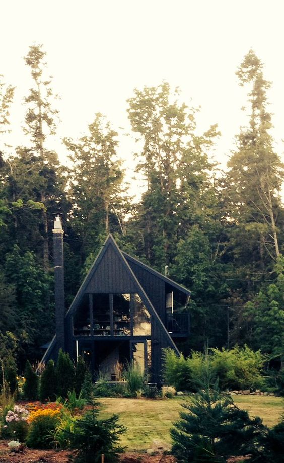 25+ Dreamy & Cozy Cabins You Will Want To Visit This Year -  - architecture - cozy rustic dreamy cabins cottages forest mountains small ideas 25 -