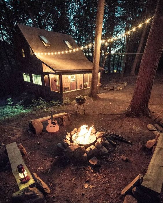 25+ Dreamy & Cozy Cabins You Will Want To Visit This Year -  - architecture - cozy rustic dreamy cabins cottages forest mountains small ideas 28 -