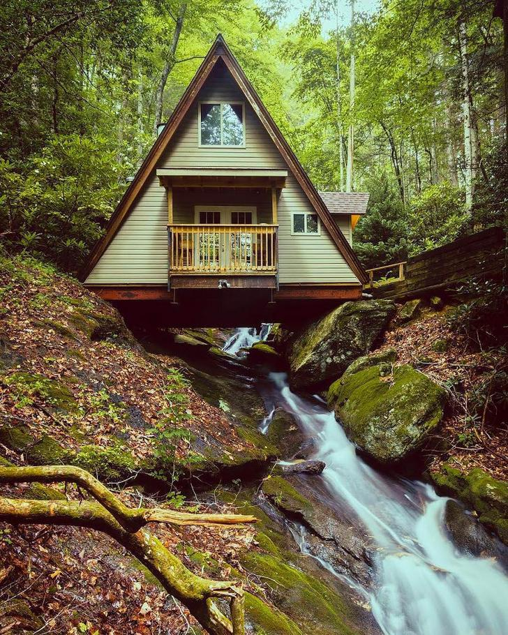 25+ Dreamy & Cozy Cabins You Will Want To Visit This Year -  - architecture - cozy rustic dreamy cabins cottages forest mountains small ideas 31 -