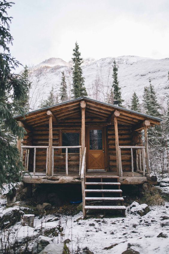 25+ Dreamy & Cozy Cabins You Will Want To Visit This Year -  - architecture - cozy rustic dreamy cabins cottages forest mountains small ideas 6 -