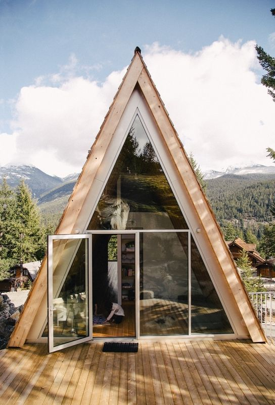25+ Dreamy & Cozy Cabins You Will Want To Visit This Year -  - architecture - cozy rustic dreamy cabins cottages forest mountains small ideas 8 -