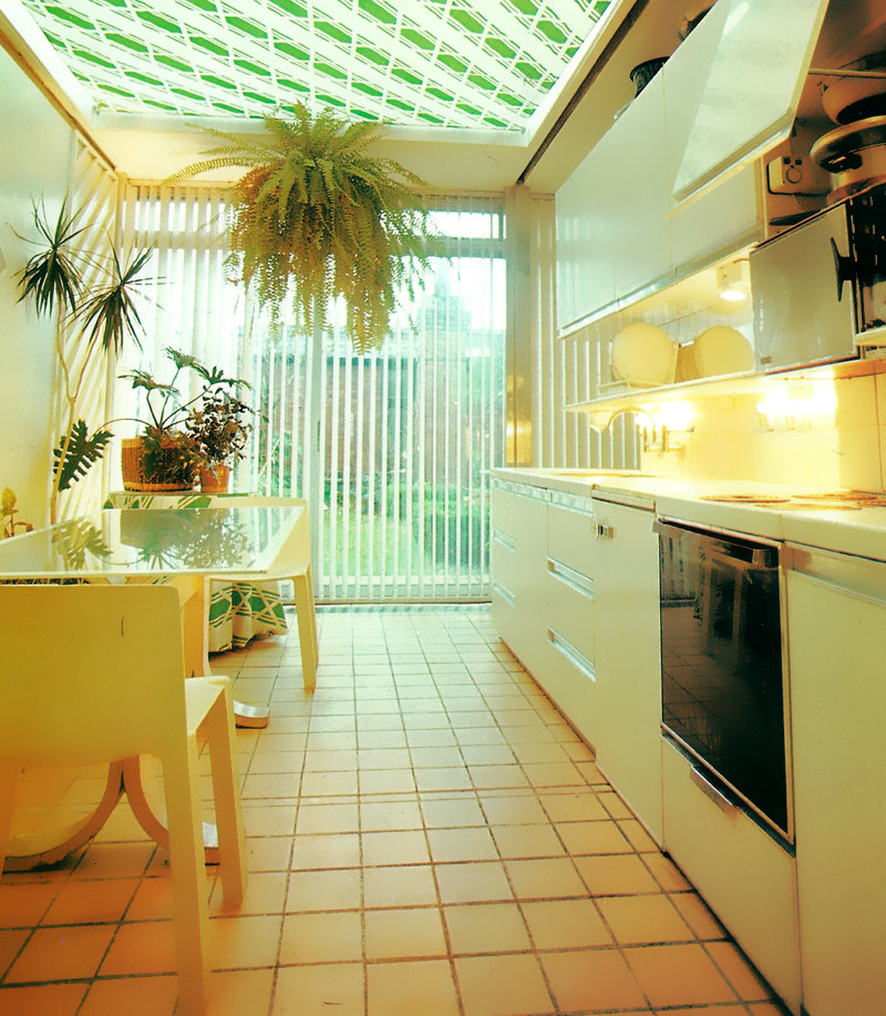 '80s Interiors - This Is How Interior Design Looked Like In The Past (Postmodern Gallery) -  - interior-design - 80s interior design living room space home decor colour neon lights pink blue 26 -