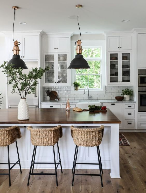 Modern Farmhouse: Kitchen Design Ideas & Inspiration