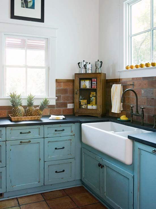 Small Kitchens: Wonderful Small Space Ideas